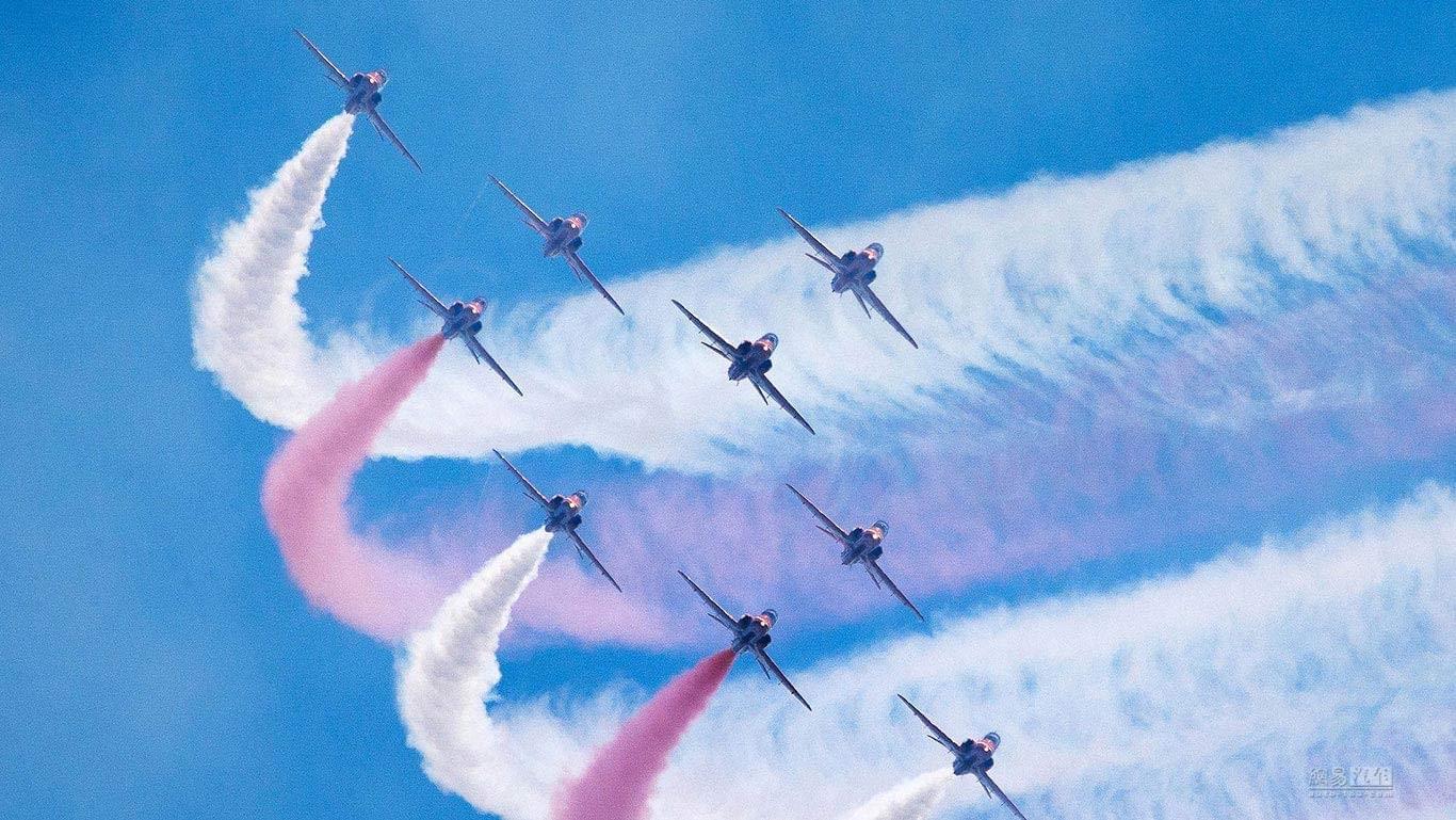 """英国皇家空军""""红箭""""造访奇瑞捷豹路虎常熟生产基地"""