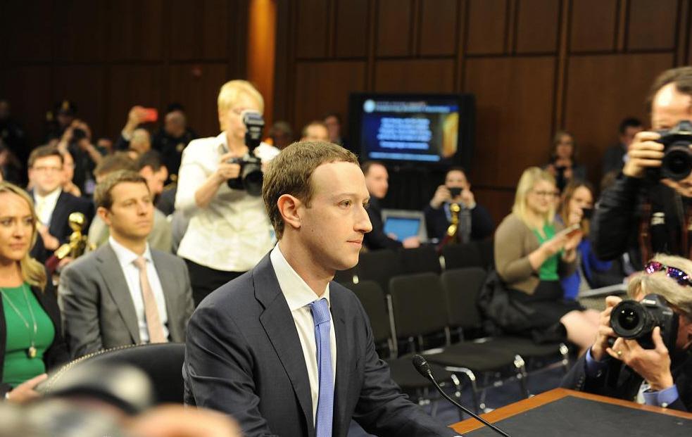 脸书一月市值蒸发591亿,道歉高手小扎过关了吗