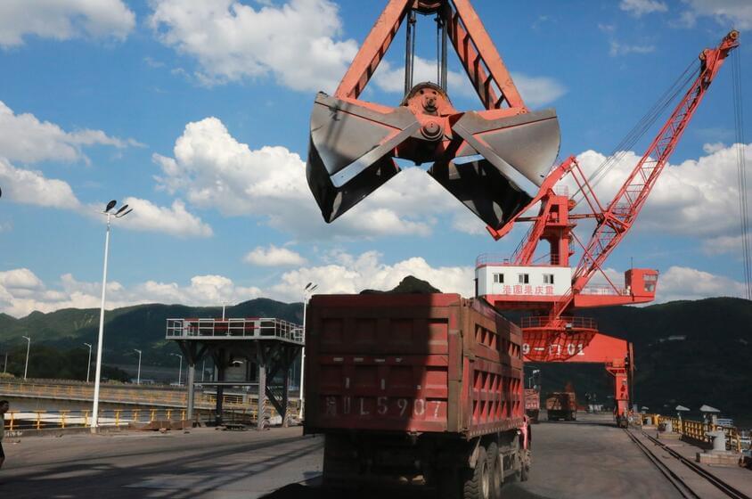 探访长江上游第一大港果园港