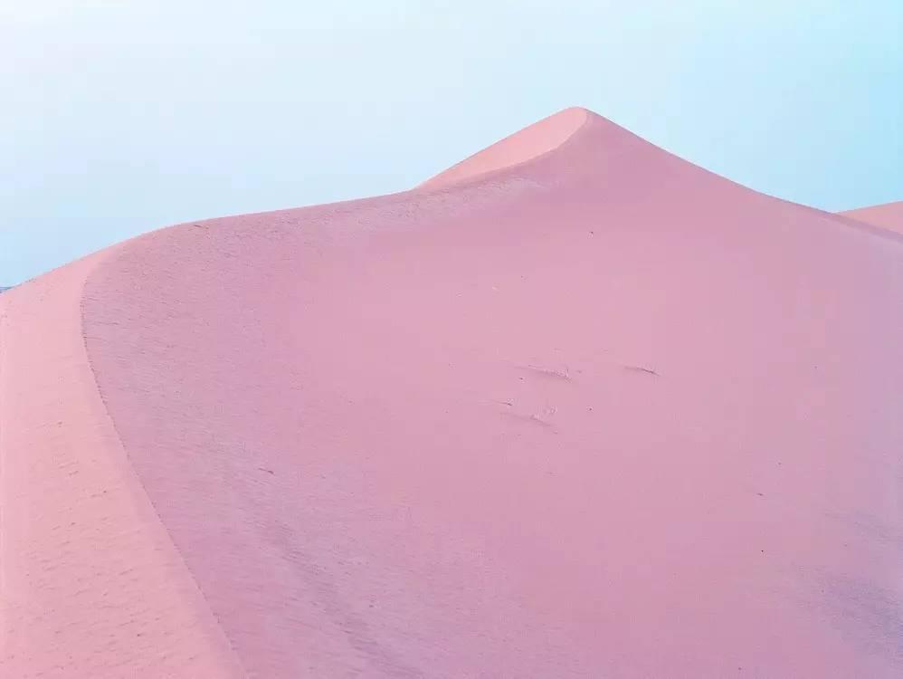 沙漠的超现实美感