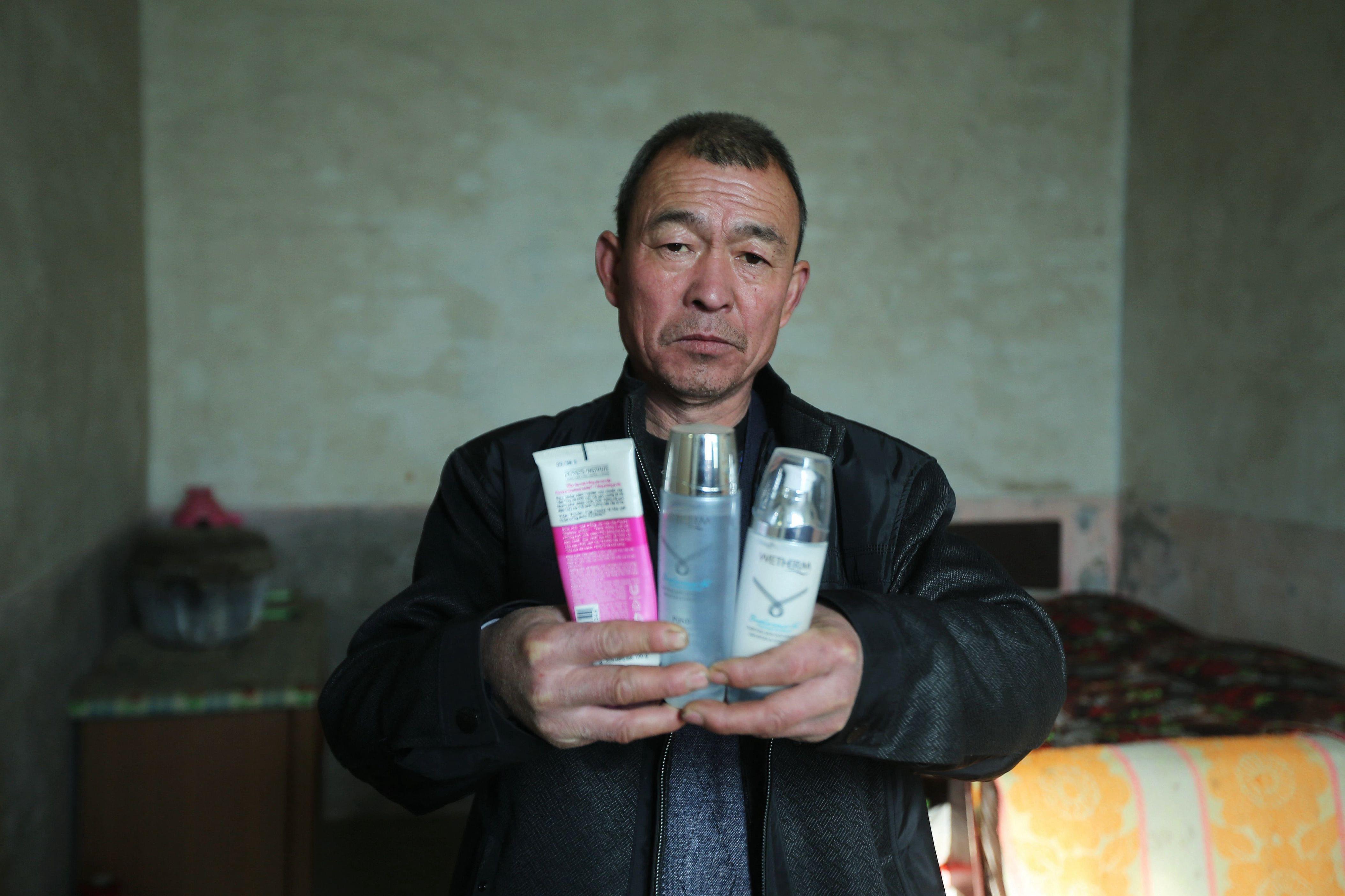 2014年12月12日,河北邯郸。农村娶妻动辄要20多万彩礼,娶越南媳妇成为选择。/视觉中国