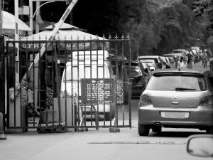 今日之声:奥迪车主未给救护车让行,被扣5分罚300