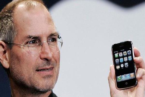 乔布斯曾计划为iPhone加入返回键