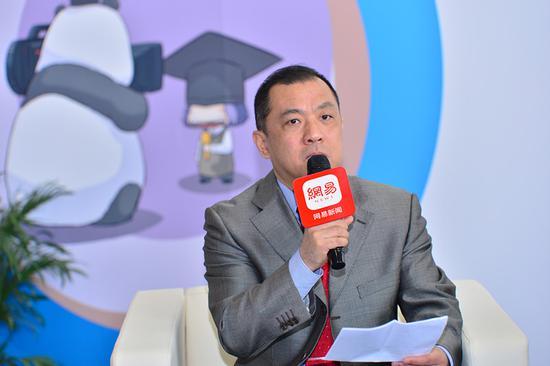 赵岩参赞:留学生应从自身做起 提高风险防范意识和技能