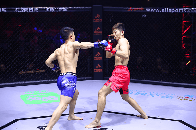 19点视频直播精武门总决赛 中国MMA年度格斗盛宴