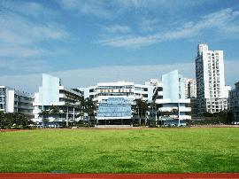 珠海一职校与新加坡企业签约 共同培养邮轮人才