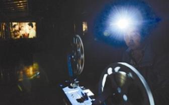 """我国现存最早的商业电影放映场所""""光影依旧"""""""
