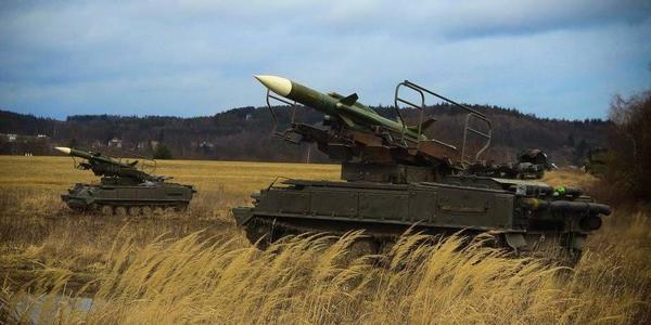 捷克军队用50年前苏联萨姆-6防空导弹训练
