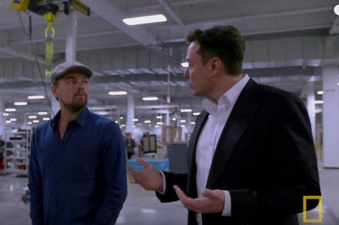 马斯克跟小李子夸下海口:百座超级工厂够全球用