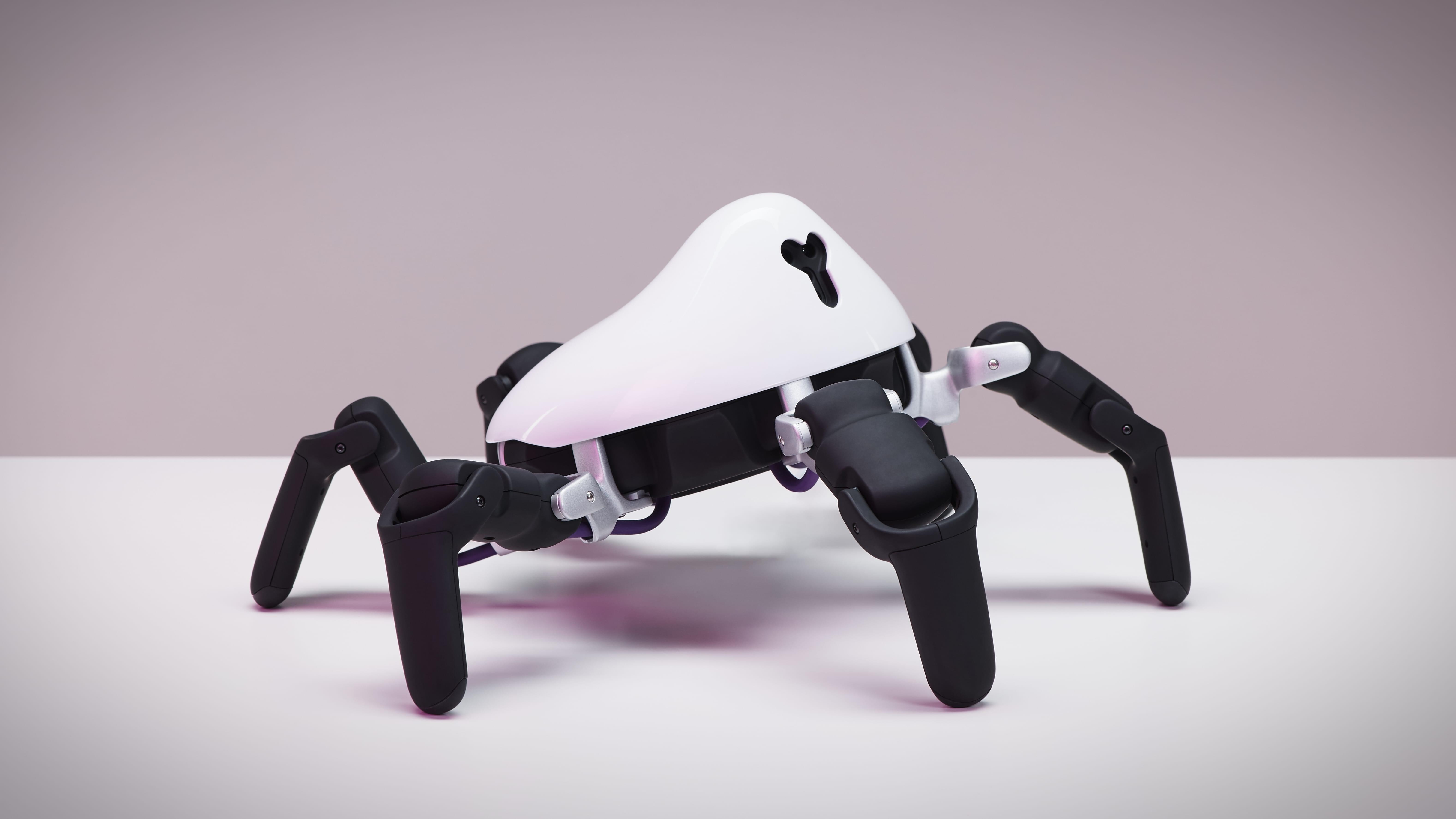 全地形机器人HEXA评测:不做玩具 钻洞爬台阶可编程
