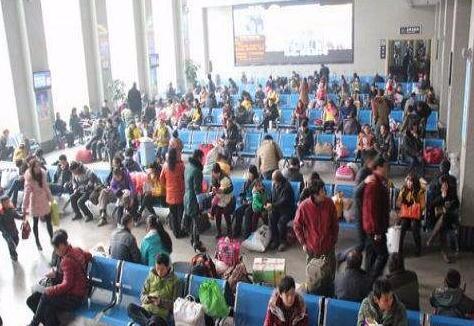 春运第一天 荆州各长途客运站迎来客流小高峰