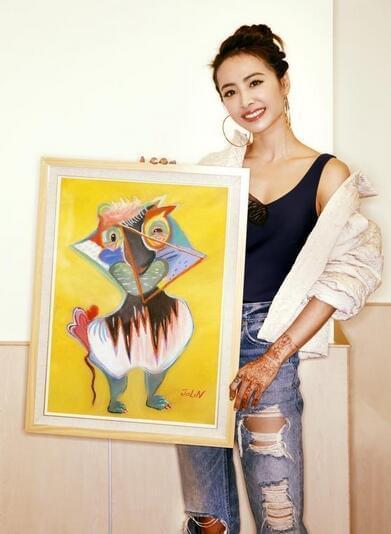 蔡依林画作以4.6万元义卖 善款捐出力挺同志