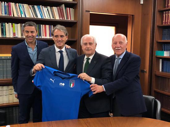 意大利足协宣布曼奇尼担任国家队主帅 签约2年