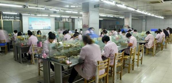 山东济南公交点钞员:每天清点70万元零钞