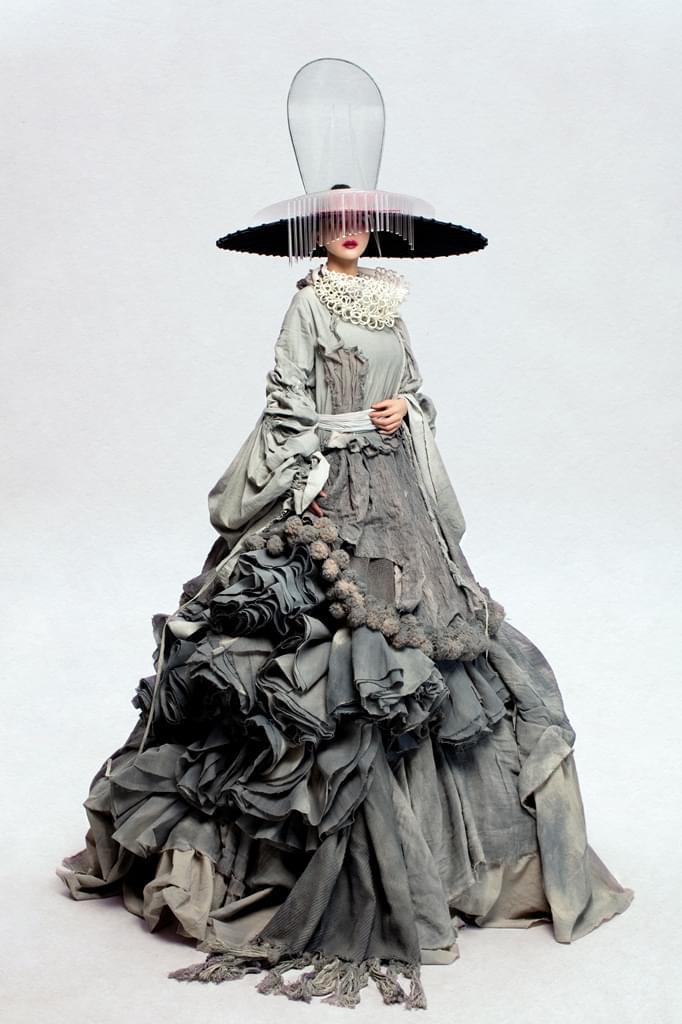 阿朵民族新娘嫁衣曝光 全新造型预示新作在即