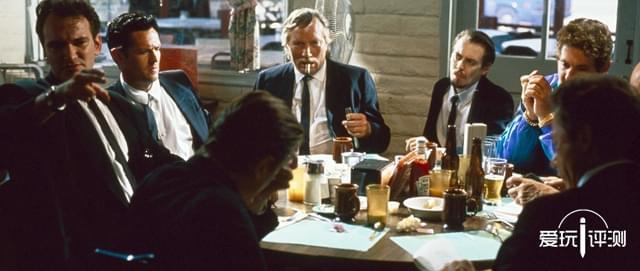 补完电影缺失的情节 《落水狗:血战日》评测