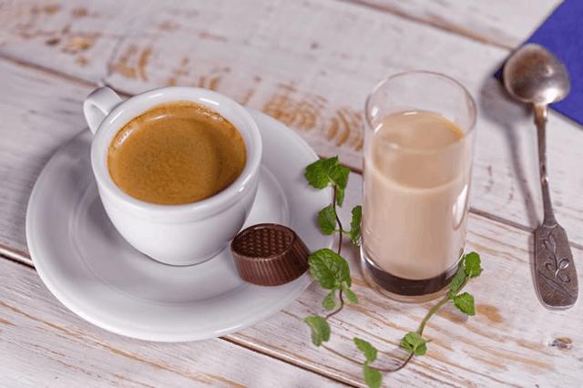 点单率超高的经典奶茶 重要的是撞茶