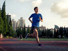 来跑步吧,跑步有益关节健康