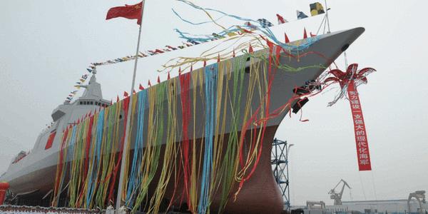 中国055大驱1号舰下水现场高清图曝光