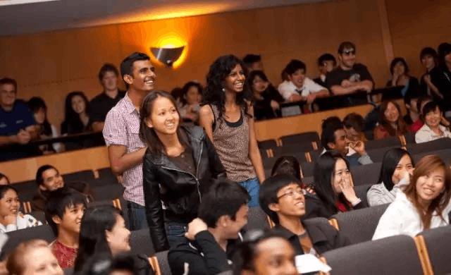 学英语混文凭?出国留学究竟是为了什么