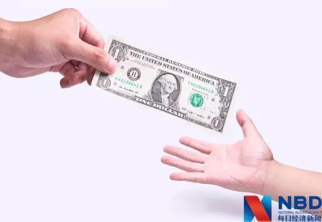 一家三口年初换的15万美元 如今亏掉了多少?