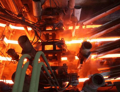 8月全社会用电量同比增6.4% 钢铁等用电环比减少