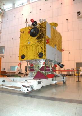 旗开得胜的嫦娥一号绕月探测器