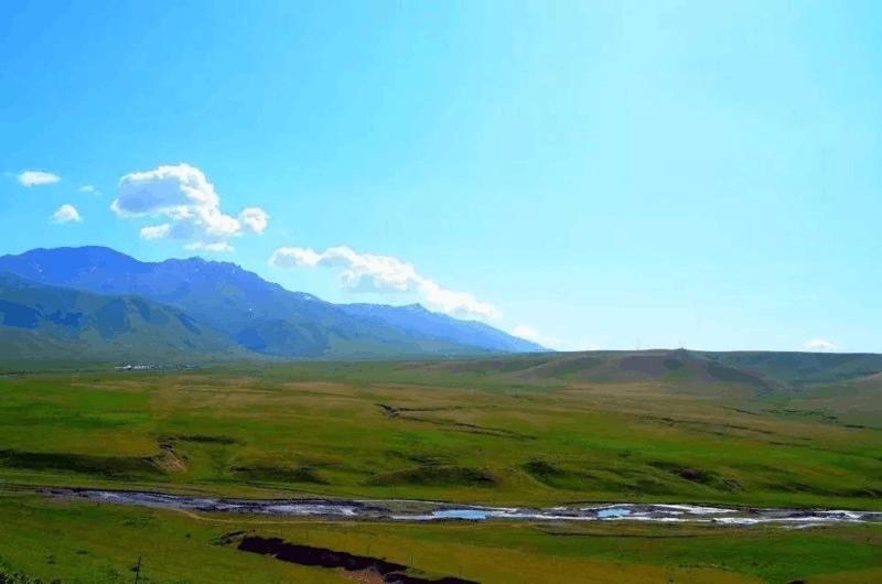 伊宁县托乎拉苏:群山之中的天堂