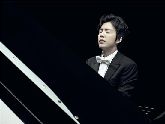 """""""钢琴王子""""李云迪励志狂想曲 追求梦想不止步"""