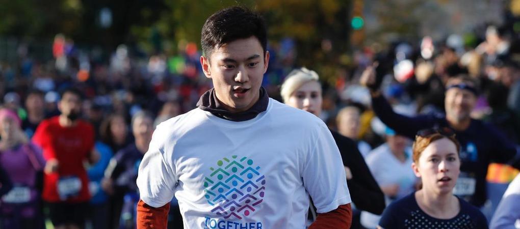 宁泽涛成联合国队成员 参加纽约马拉松活动