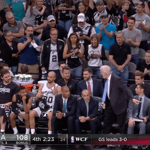【影片】感動!波波問Ginobili是否要再打會 結果他卻揮了揮手拒絕-Haters-黑特籃球NBA新聞影音圖片分享社區