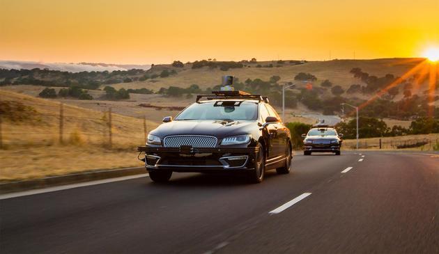 具有突破性的自动驾驶汽车技术 未来会是这样的!