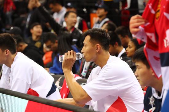 关键时刻得分垫底!广东坐拥季后赛10强最差外援,全靠阿联能走多远?