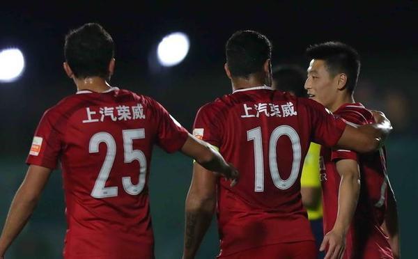 武磊造点胡尔克命中 上港热身赛1-0俄超冠军