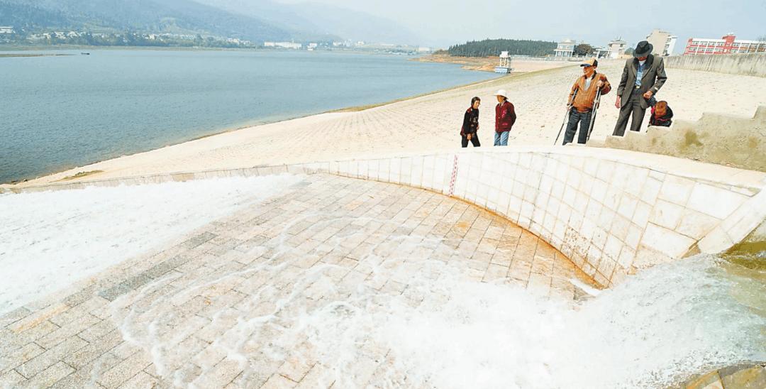 三峡工程后续饮水工程完工 百万荆州群众喝上放心水