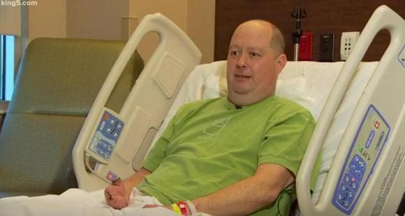 流感并发症迫使他截去双脚和9根手指