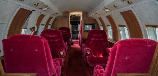 猫王最后一架私人飞机将拍卖 价值逾2000万