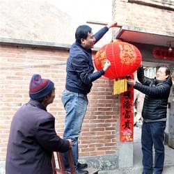 石家庄团市委:为帮扶村群众送温暖