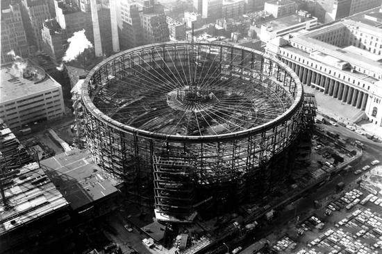 一百多年前,建造中的麦迪逊广场花园