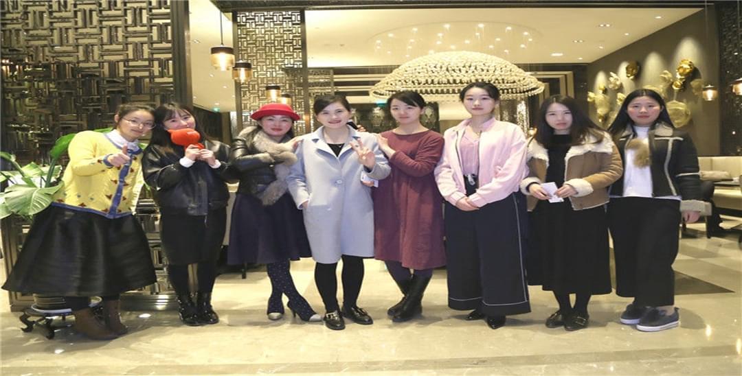 阜阳万达嘉华酒店海鲜自助餐致敬女神节