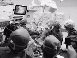 山西首例 机器人上岗做手术