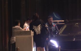 王思聪深夜与友相聚KTV 马路开车蛇皮走位引惊叹
