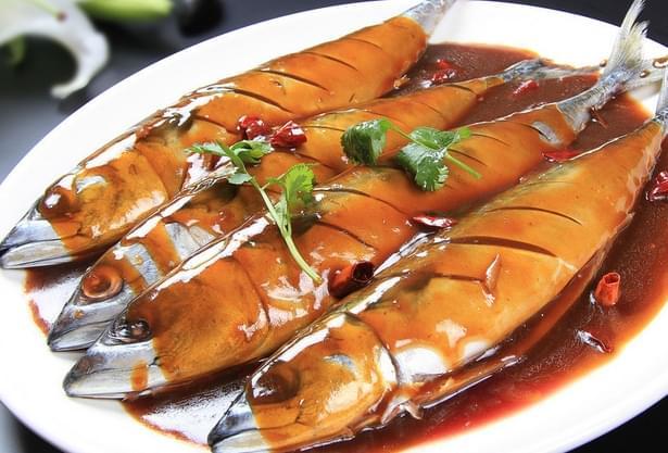 高速服务区饭菜 一条鱼卖69元