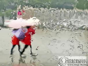 运城市普降春雨产生 雨朦胧人朦胧