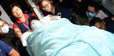 刘德华受伤后已抵达医院接受治疗