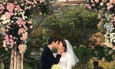 甜蜜!宋仲基婚礼亲吻宋慧乔隐藏爱的小动作