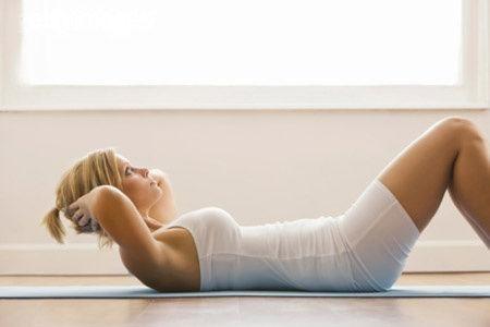 仰卧起坐可减肚子?8个错误健身观念必须纠正