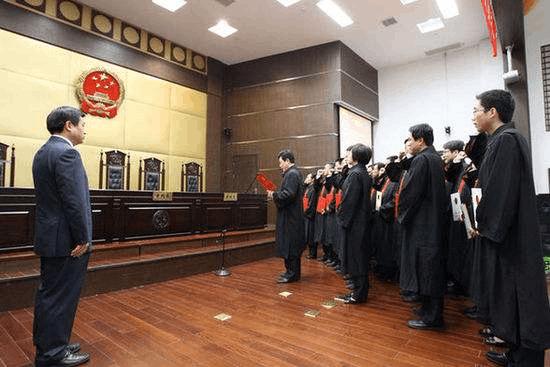 """惠州中院: """"法官还要应付各类创建活动和考评"""""""