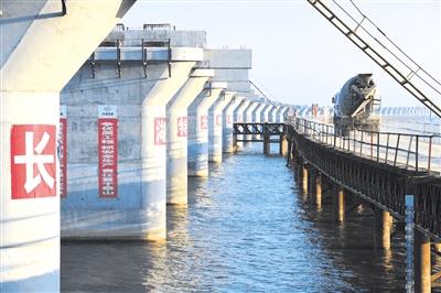 蒙华铁路长湖特大桥建设完成70% 连接荆门与荆州