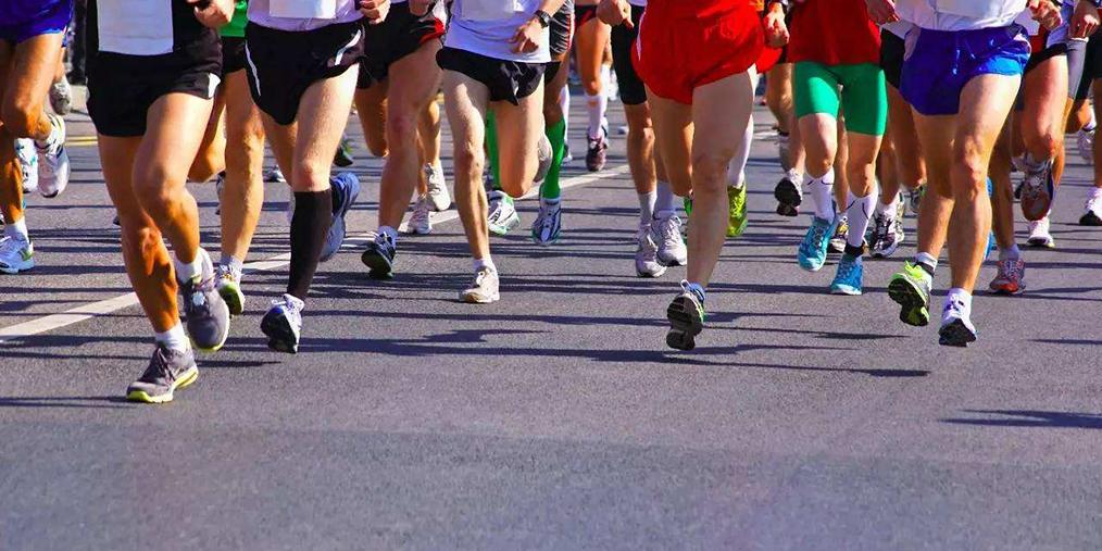 青岛·平度全程马拉松赛 4人接力跑过42公里